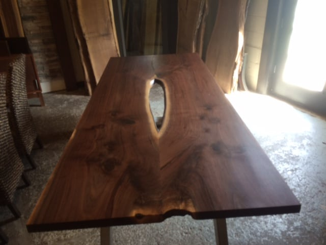 Custom-Made Tables – Beautiful Live Edge Tables!!
