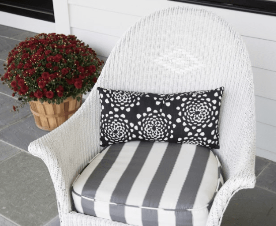 Tips for Refinishing Outdoor Furniture